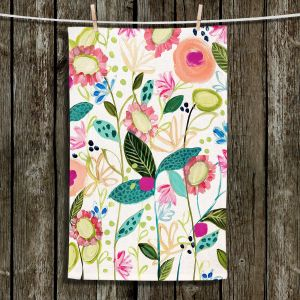 Unique Bathroom Towels | Carrie Schmitt - Spontaneous | Flower Pattern
