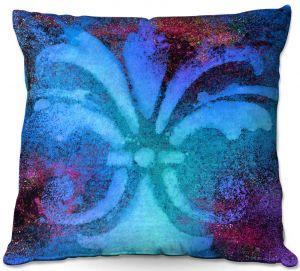 Throw Pillows Decorative Artistic   China Carnella - Bleu de Sparkle   fleur de lit symbol shape outline