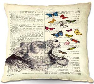 Decorative Outdoor Patio Pillow Cushion | Madame Memento - Lioness