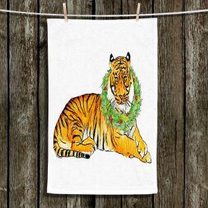 Unique Bathroom Towels   Marley Ungaro - Christmas Wreath Tiger