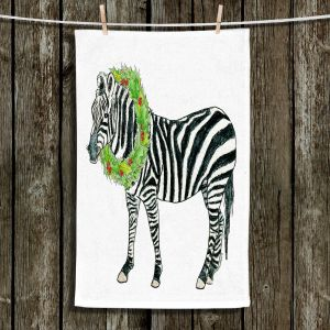 Unique Bathroom Towels   Marley Ungaro - Christmas Wreath Zebra