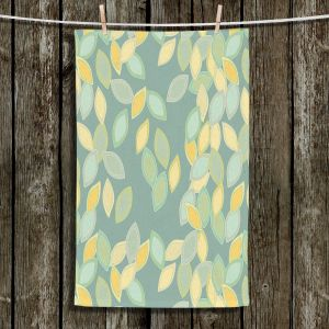 Unique Hanging Tea Towels | Olive Smith - Feuiles l | Patterns