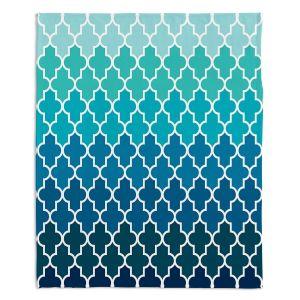 Artistic Sherpa Pile Blankets | Organic Saturation Aqua Ombre Quatrefoil