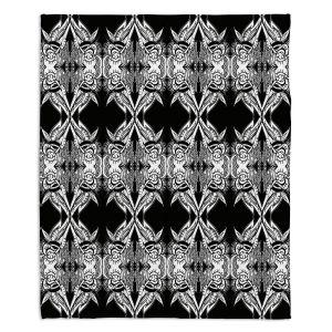 Artistic Sherpa Pile Blankets | Susie Kunzelman Black Swag
