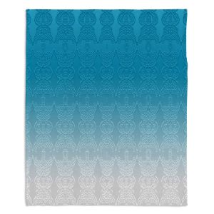 Decorative Fleece Throw Blankets | Susie Kunzelman - Ombre Pattern l Aqua