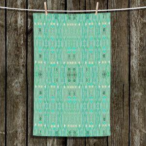 Unique Bathroom Towels | Susie Kunzelman - Summers End Aqua | Pattern repetition