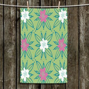 Unique Bathroom Towels | Traci Nichole Design Studio - Plot Spring | Patterns Florals