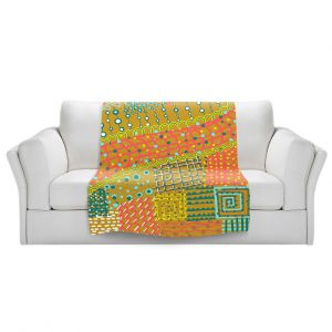Artistic Sherpa Pile Blankets | Yasmin Dadabhoy - Doodle Towel | abstract pattern lines