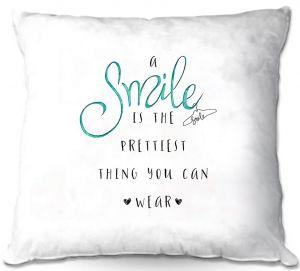 Throw Pillows Decorative Artistic   Zara Martina - A Smile Turquoise   Inspiring Typography Lady Like