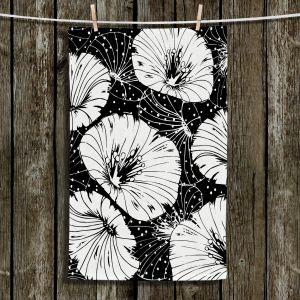 Unique Bathroom Towels | Zara Martina - Black White Flowers | floral pattern