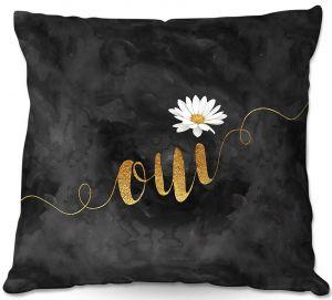 Throw Pillows Decorative Artistic | Zara Martina - Oui Daisy Pattern Gold Black